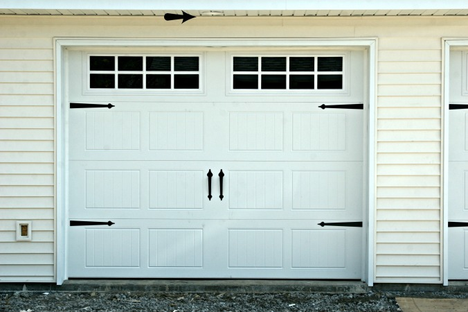 garage door with light