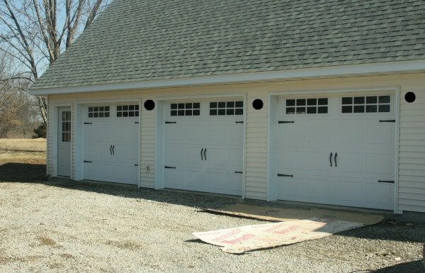 garage with possible lighting